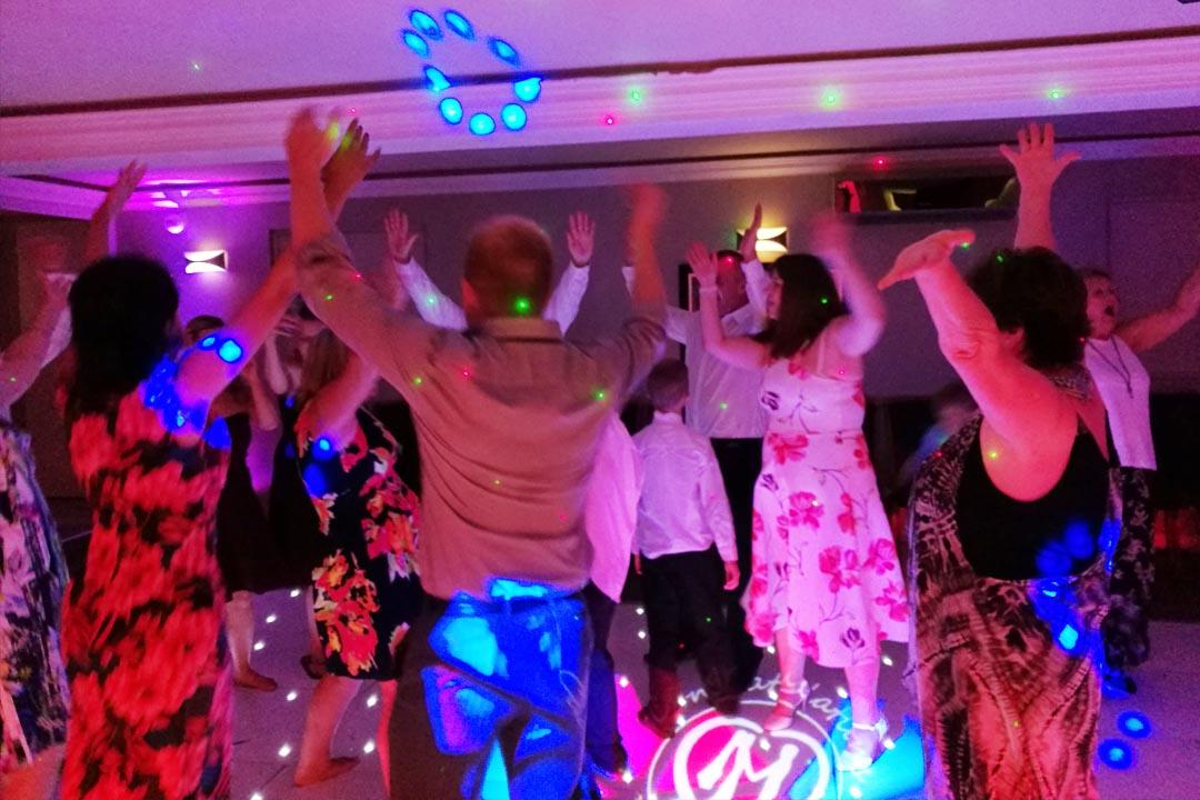 How To Create Your Perfect Wedding DJ Playlist | Party Dexx